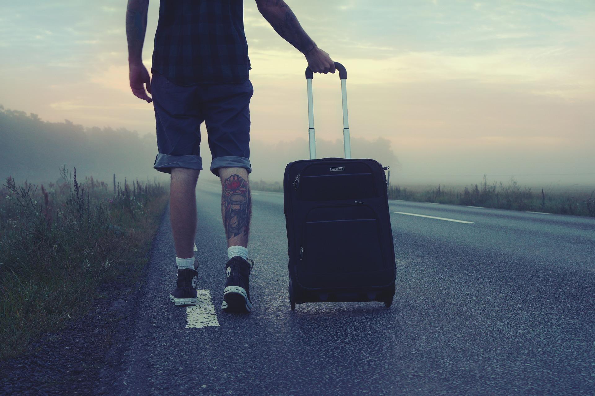 Wie man auf Reisen fit und gesund bleibt